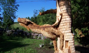 This Started Out As An Ordinary Backyard Tree Stump But You Would Never EVER Believe How Extraordinary It Finally Turned Out!