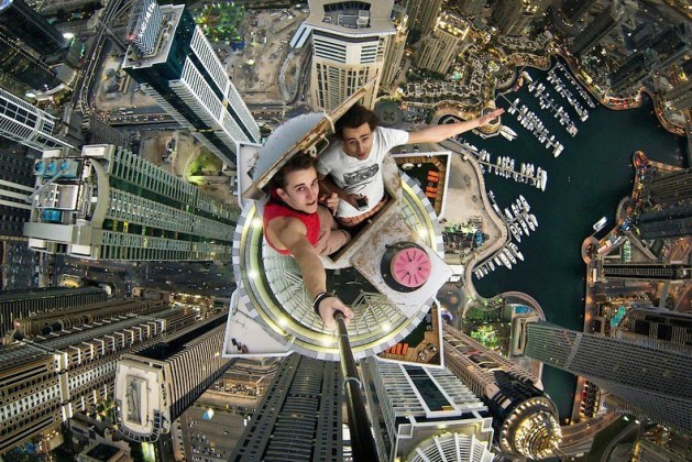 Crazy Thrill Seekers Create Stunning Selfies That Are Totally INSANE! These People Are Lunatics But Their Photos Rock!!